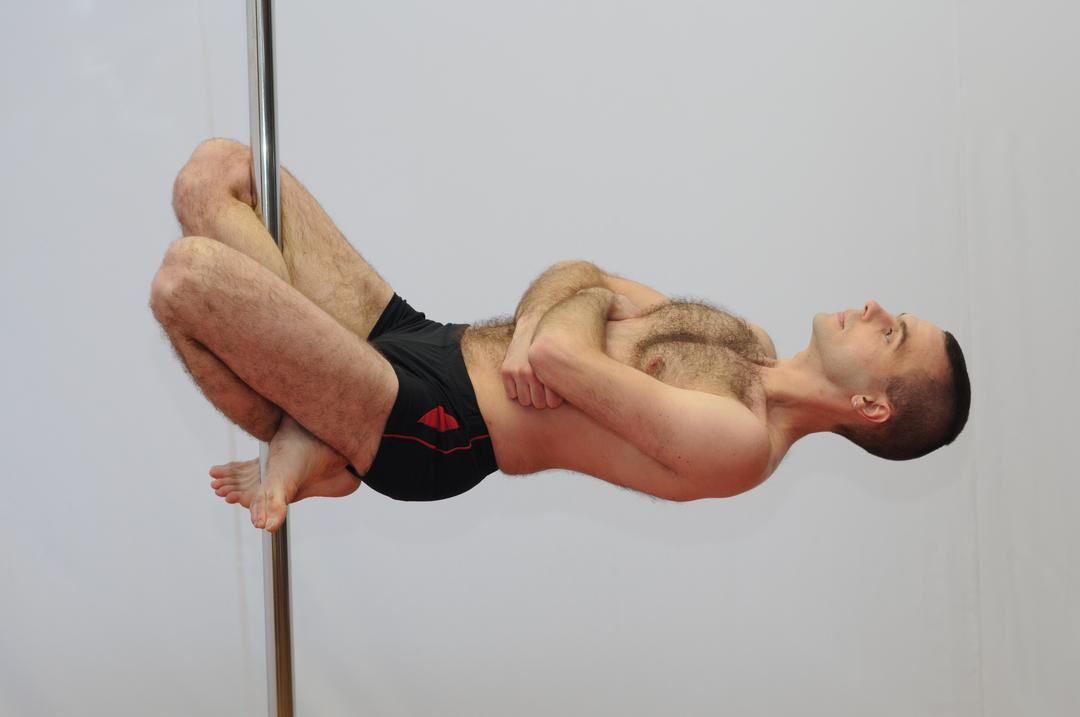 Дмитрий Иващик- тренер акробатики на пилоне