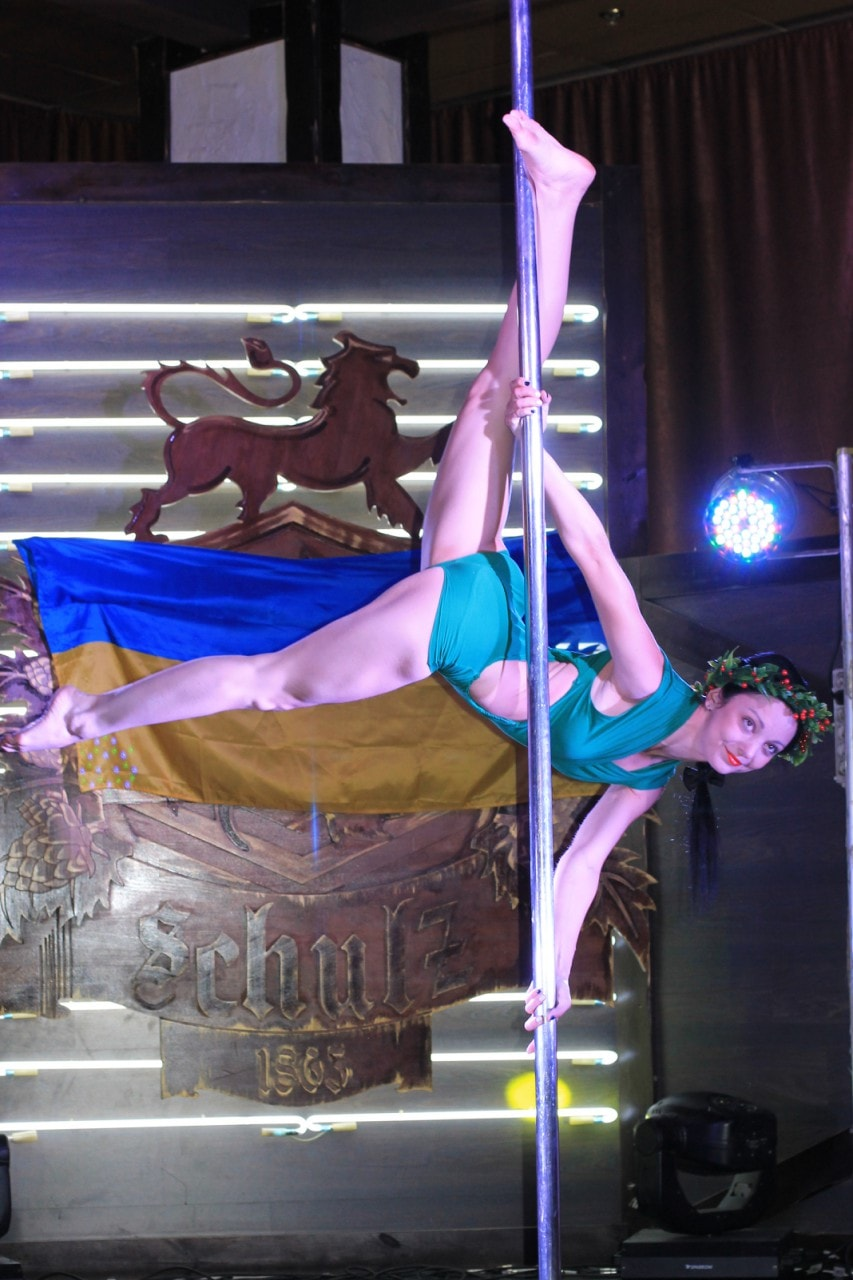 pole dance новобеличи
